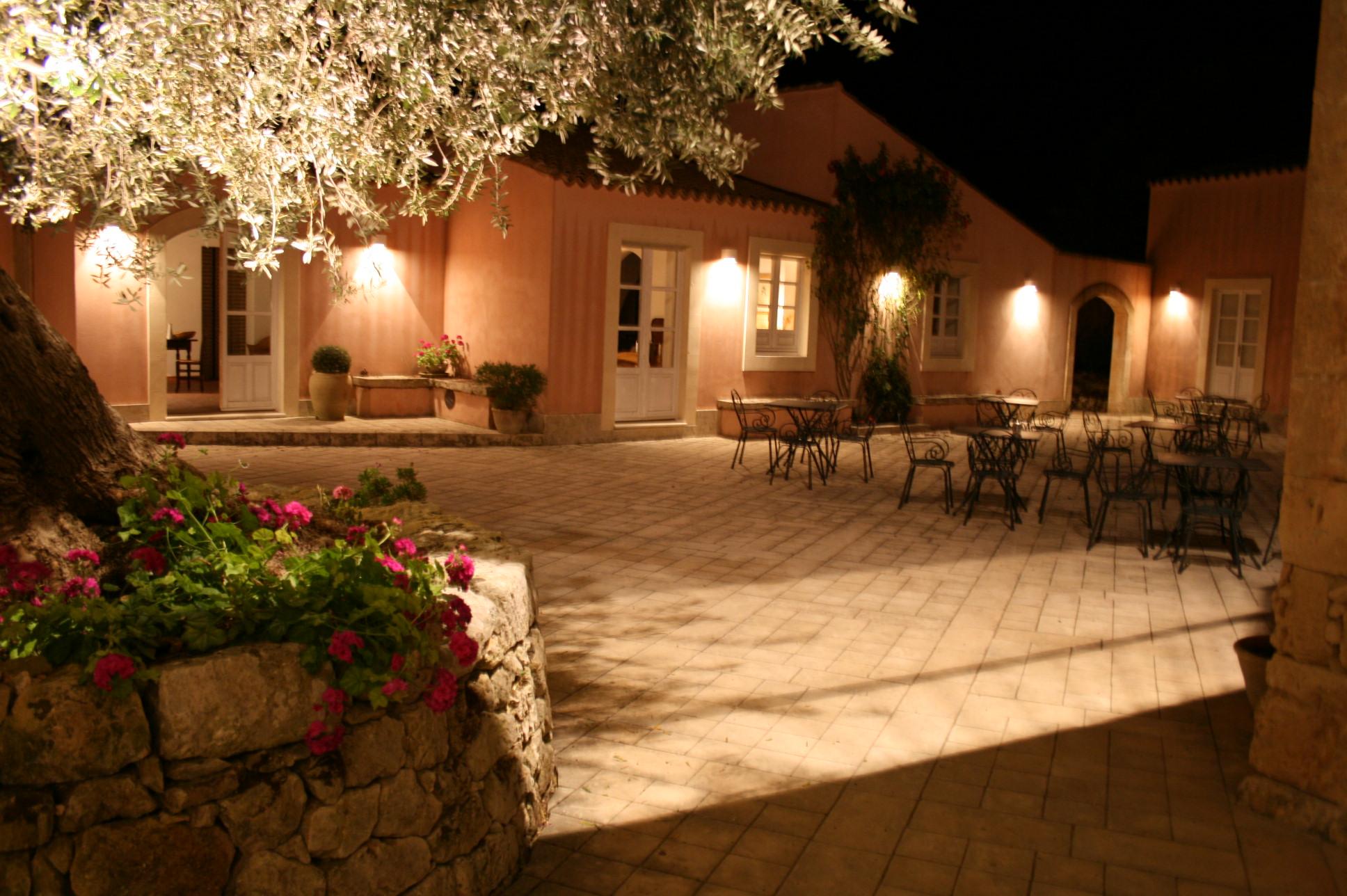 Country hotel noto sicilia italia solaris for Design hotel sicilia