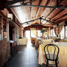 Luxury winery resort Castelbuono_breakfast room