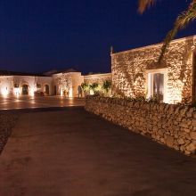 Charme country stay ispica-Noto_by night